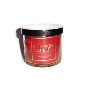 Bath & Body Works Candle Pumpkin Apple 4 oz